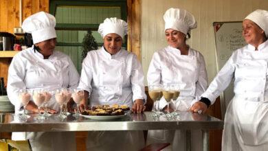 Photo of Pescadoras chilotas reciben equipos de cocina para concretar proyectos