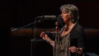 Photo of En el Teatro del Lago cantautora residente en Chiloé estrena canción